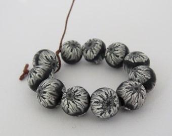 beads, Black and white beads, 10mm beads, round beads, DIY Crafts, Jewelry Supply, shygar beads, black beads, white beads, 10 pieces