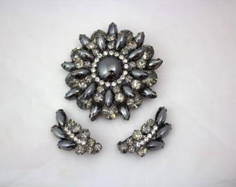On Sale! 1950's Brooch and Clip-on Earring Set / Rhinestones / Gunmetal