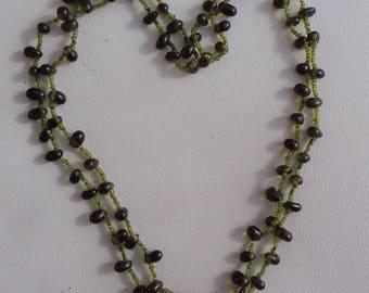 Beautiful Long Vintage Peridot Stone Bead Necklace.