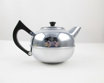 A 'Gil-Cor' 4 Cup Teakettle - Chrome on Copper - Large Handle - Snap Lid - Made in New Zealand