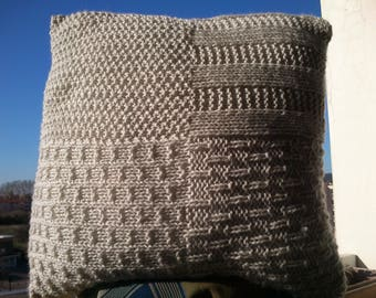 Cushion 40cm x 40cm color woolen hand-knitted sand