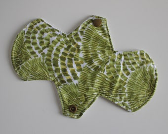 "8"" liner, reusable cloth pantyliner - grasses"