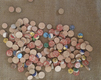Bingo game tokens, LOT of 150 vintage cardboard numbered game tokens, wood game chips, colorful Bingo game discs, altered art, scrapbooking
