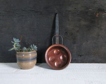 hanging copper pan with cast iron handle / vintage french farmhouse kitchen decor