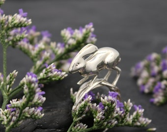 Running Rabbit Ring - Contact, 3D printed in sterling silver, silver rabbit ring