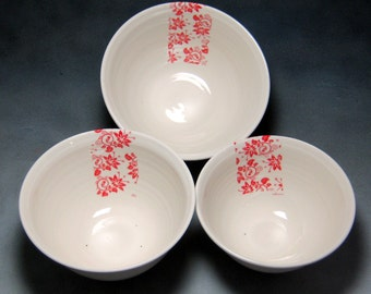 Porcelain Bowl Red and White Fine China Porcelain Serving Bowl Set Hand Thrown Translucent Ceramic Nesting Bowls Pottery Mixing Bowls 4