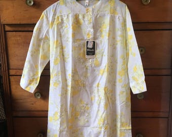 Vintage 60's mod flower nightgown 70's