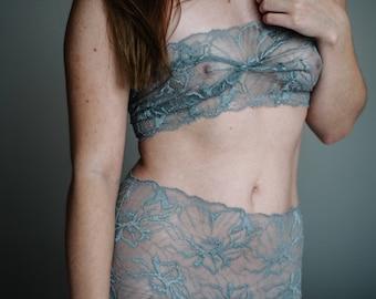 Tube Bra - Undies 'Woman in pearly grey'  // Brassiere Handmade of grey transcendetal Lace