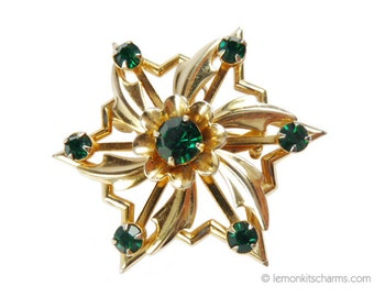 Vintage Green Rhinestone Star Brooch Pin, Jewelry 1950s Mid-century, Star of David Pendant, Pinwheel, Goldtone Gold