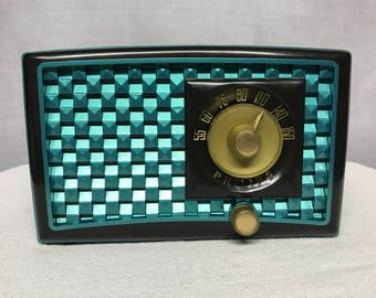 Phillips vintage retro tube radio with iphone or bluetooth Input.