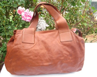 Vintage Leather Shoulder Bag by DYMS NATURAL PAMPA Distressed