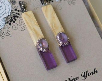 Long wood and resin Amethyst earrings (0008)
