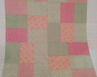 Pink and Green 1930's Reproduction Feedsack Fabric Quilt