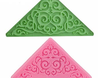 Silicone mould: corner Arabesque.