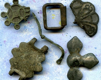 INSTANT COLLECTION of antique objects from a private dig  X 730