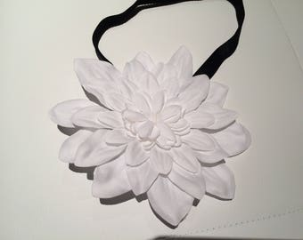Pink flower white 12 cm with elastic to put as headband on hair
