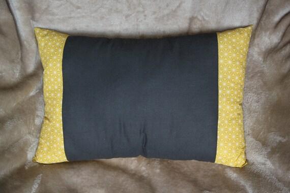 coussin tissu japonais coussin gris noir et jaune coussin. Black Bedroom Furniture Sets. Home Design Ideas