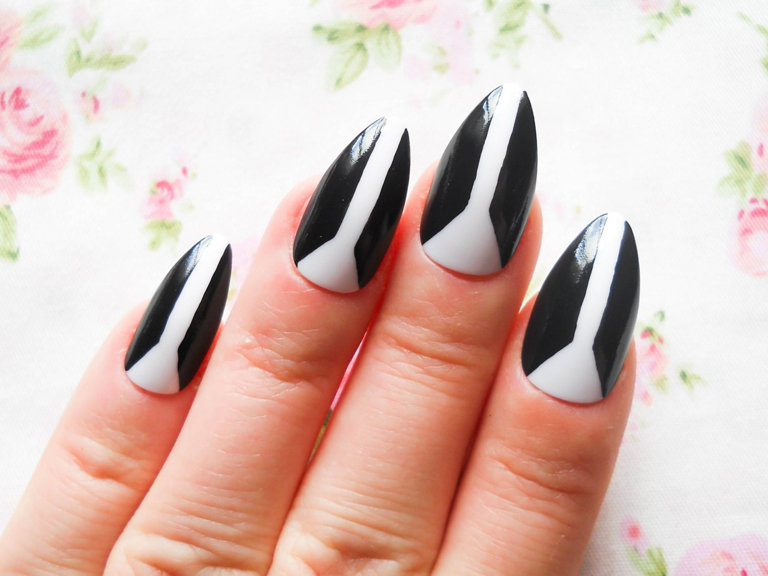 Abstract Nails / Fake Nails / Stiletto Nails / Press on Nails ...