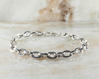 14K White Gold 5.5mm Hollow Oval Cable Bracelet - 5.3 Grams