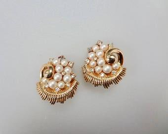 Vintage Crown Trifari Gold Tone With Rhinestone Earrings