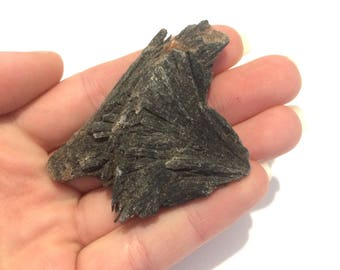 Black kyanite blade natural raw stone cluster 5cm
