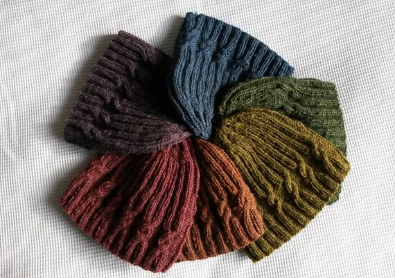 Knitting Pattern: Small Spiral Cable Hat. PDF instant download. Seamless knit beanie Aran pattern. Unisex adult size. Original design.