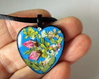 Heart of Flowers Pendant , Pressed Flower Pendant,  Real Flower Necklace,  Resin (3026)