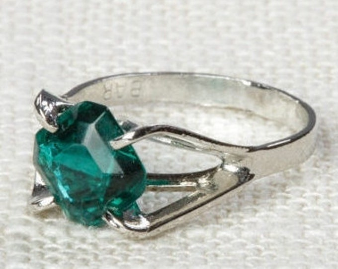 Green Rhinestone Vintage Ring Emerald Silver 6.5 mm or 7.5 mm US Womens Sizes 7D