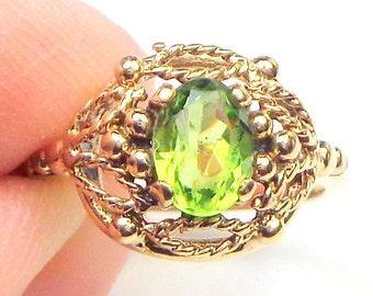 10K Yellow Gold, Peridot Filigree Ring,August Birthstone,Victorian Style,Vintage Estate Ring,Natural Peridot,Genuine Gemstone