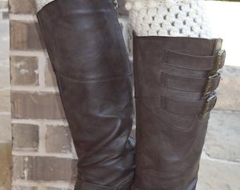 Ivory Scalloped Boot Cuffs // Crochet Boot Cuffs // Adult Boot Cuffs