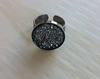 Gunmetal Metallic Faux Druzy Ring. Silver Sparkle Ring. 18 mm. Self Adjustable Ring. Party Gift.