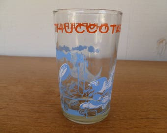 "Bugs Bunny "" Thufferin' Thuccotash"" Cartoon Collectable Glass 1974"