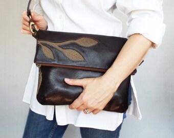 Leather crossbody bag. Brown leather foldover bag. Brown leather purse. Brown leather bag. Leather applique bag. Cross body purse.