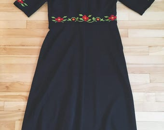 XL 70's embroidered black maxi dress