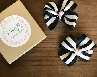 Black and white stripe bow hair clips