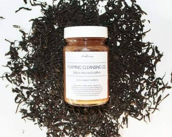 FOAMING CLEANSING GEL - black tea and pomegranate