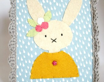 Rabbit small felt flowers and crochet setting
