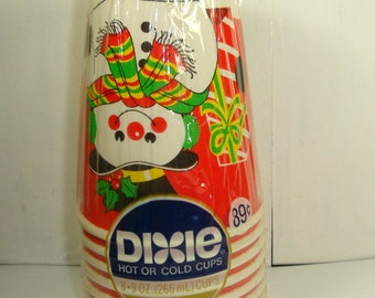 Vintage Set Christmas Dixie Cups, Snowman, Hot or Cold, 9 ounce, Set of 8, Set Three (946-14)