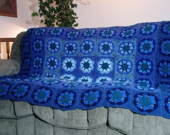 Shades of blue, Granny Square Afghan