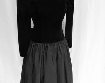 Vintage 80s womens black velvet party dress, rhinestones, open back, crinoline slip, removable back bow, size S 5 6