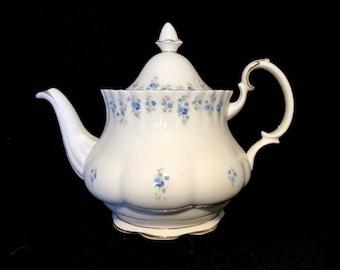 Royal Albert Memory Lane Teapot Large 6 Cups Bone China England