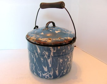 Blue Swirl Graniteware Berry Bucket with Lid / Rustic Farmhouse Berry Bucket Hard to Find