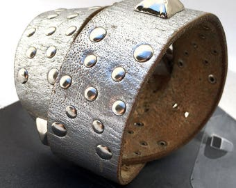 Rustic Silver Leather Dog Collar with Metal Studs, Size L, to fit a 18-21in Neck, Large Dog, Eco-Friendly Recycled Belt Collar, OOAK