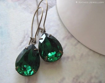 Ella - Estate Style Emerald Green Earrings - Created with crystals from Swarovski® Vintage Style Earrings - Victorian styled Earring