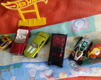 Hot Wheels Set of 6 Collectable Die Cast Card Retired pieces