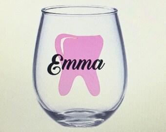 dental hygienist wine glass. Dental assistant wine glass. Dentist wine glass. Dentist gift. Dental hygienist gift. Dental assistant gift.