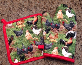 Chicken and rooster insulated/quilted oven mitt and pot holder set