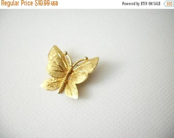 ON SALE Vintage BSK Stamped Gold Tone Butterfly Pin 72617