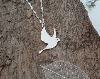 Handmade 925 Sterling silver flying dove bird pendant/necklace