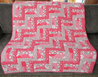 Poppies on the Fence baby quilt toddler quilt